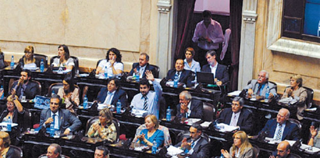 CENTRO PARA EL LIDERAZGO DE LA MUJER | El femicidio fue aprobado en Diputados y está cerca de ser ley